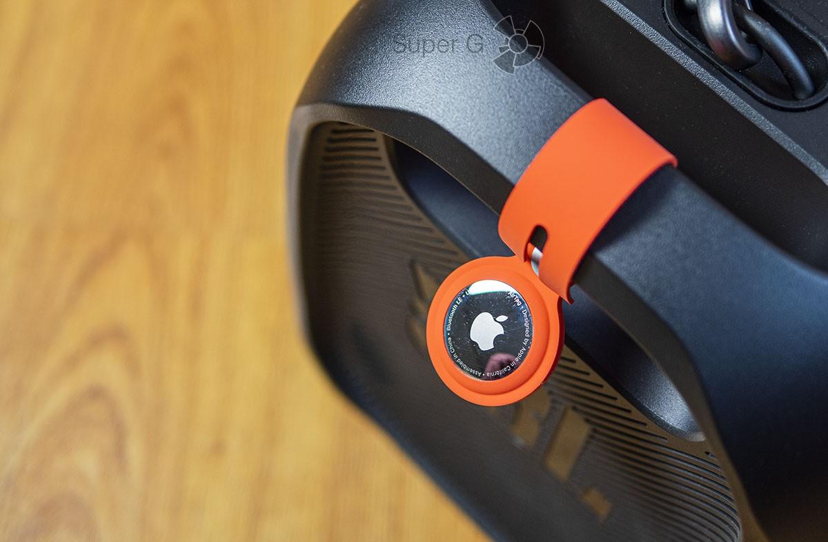 Apple AirTag как закрепить на одежде