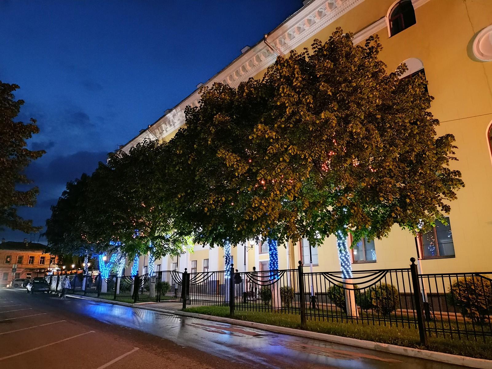 Пример ночного фото с камеры realme 8