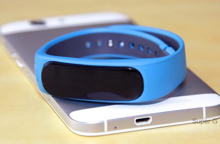 Обзор Huawei TalkBand B1