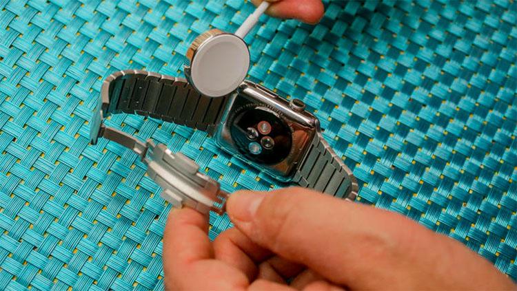 Подключение Apple Watch к зарядке
