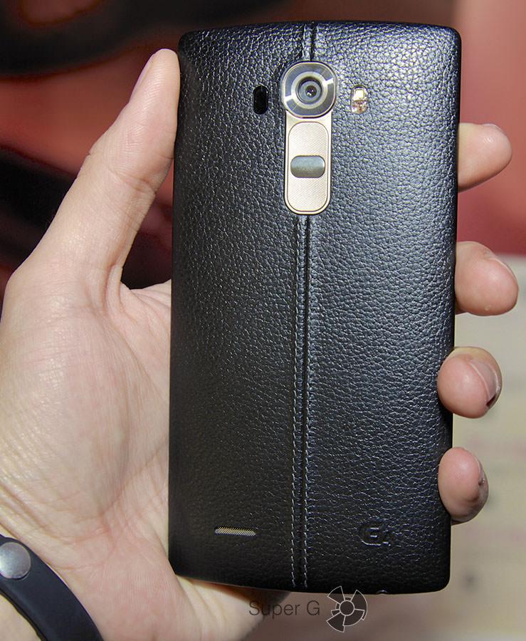 Черная кожа LG G4