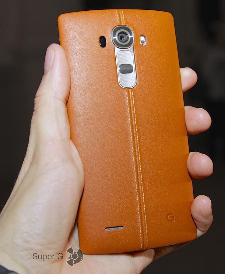 Коричневый LG G4