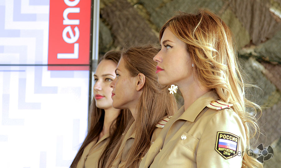 Девушки на презентации Lenovo