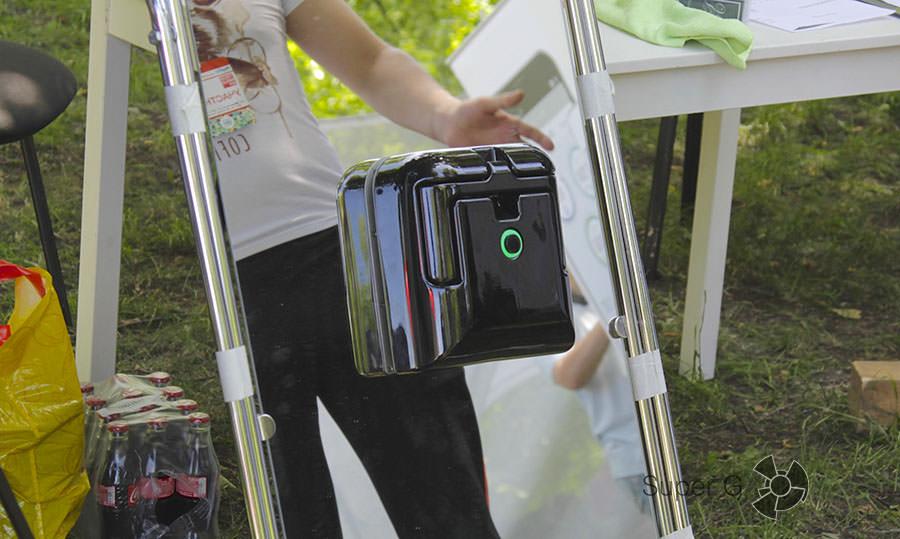 Робот, который чистит стекла и зеркала