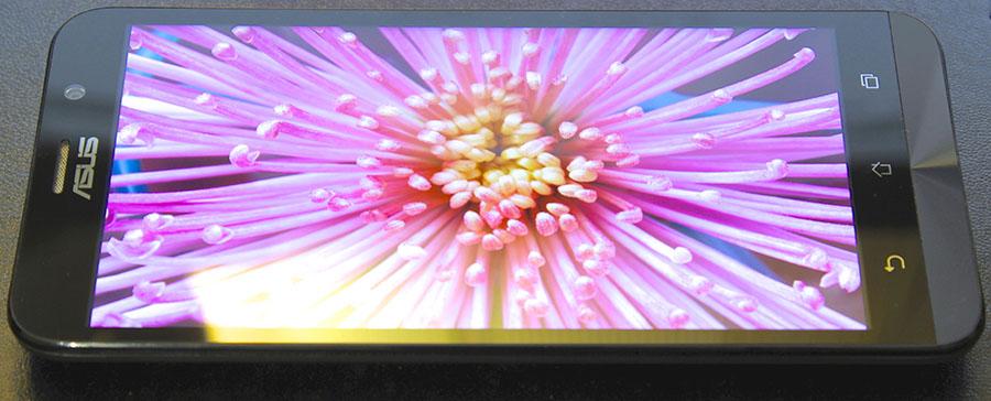 Дисплей Asus Zenfone 2 (реальное фото)
