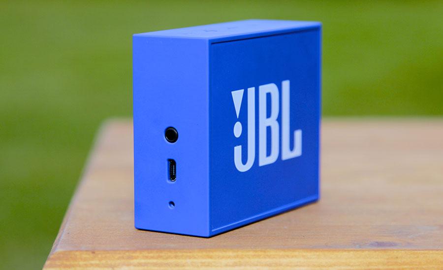 Разъемы  JBL GO