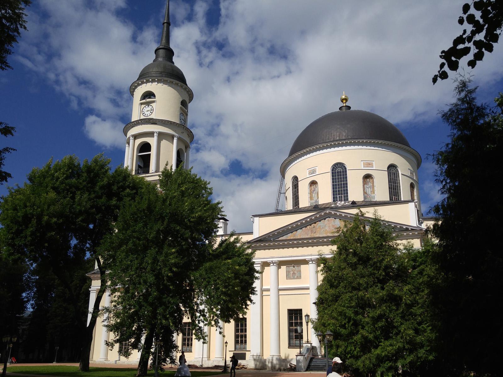 Калужский Троицкий собор, снятый на LG G4