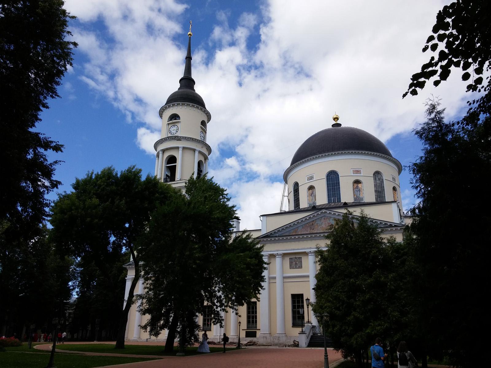 Калужский Троицкий собор, снятый на LG G3