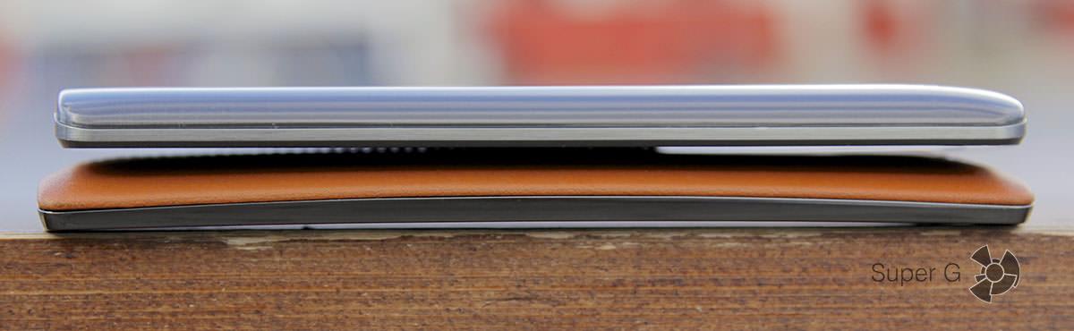 Корпус LG G3 прямой, а LG G4 изогнутый