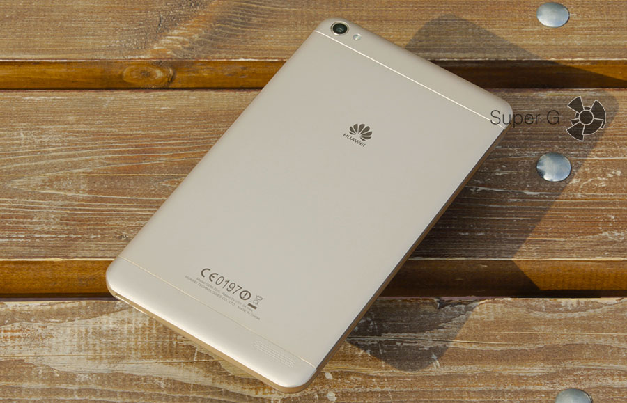 Задняя сторона из металла в планшете Huawei MediaPad X2