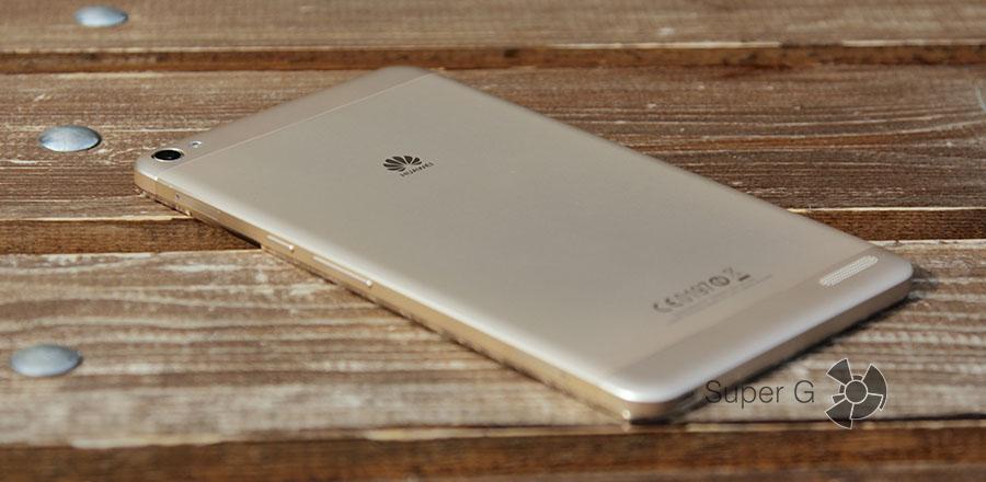 Задняя сторона планшета Huawei MediaPad X2