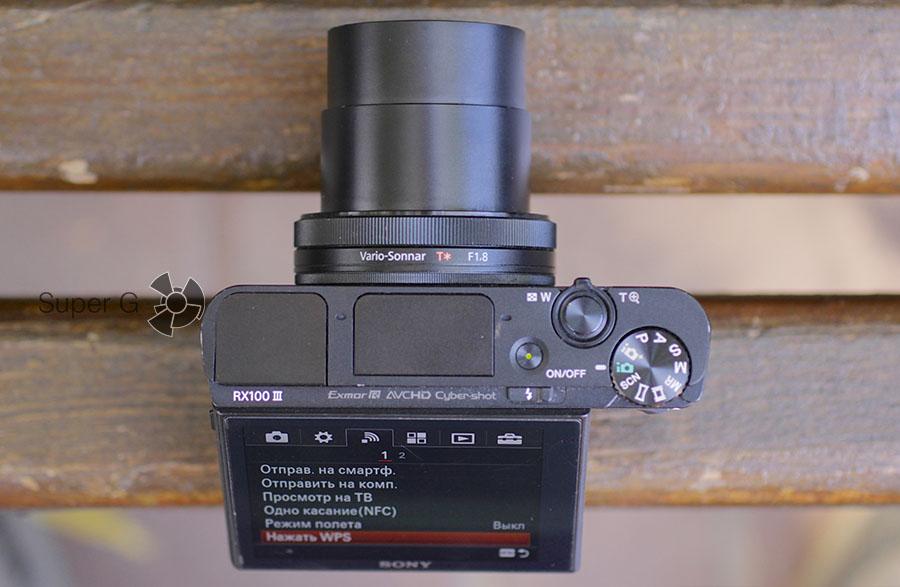 Sony RX100M3 - фотоаппарат со встроенным объективом