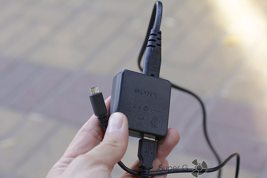 Комплектация и адаптер для камеры Sony RX100M3