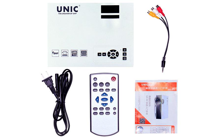 Комплектация мини-проектора Unic UC40
