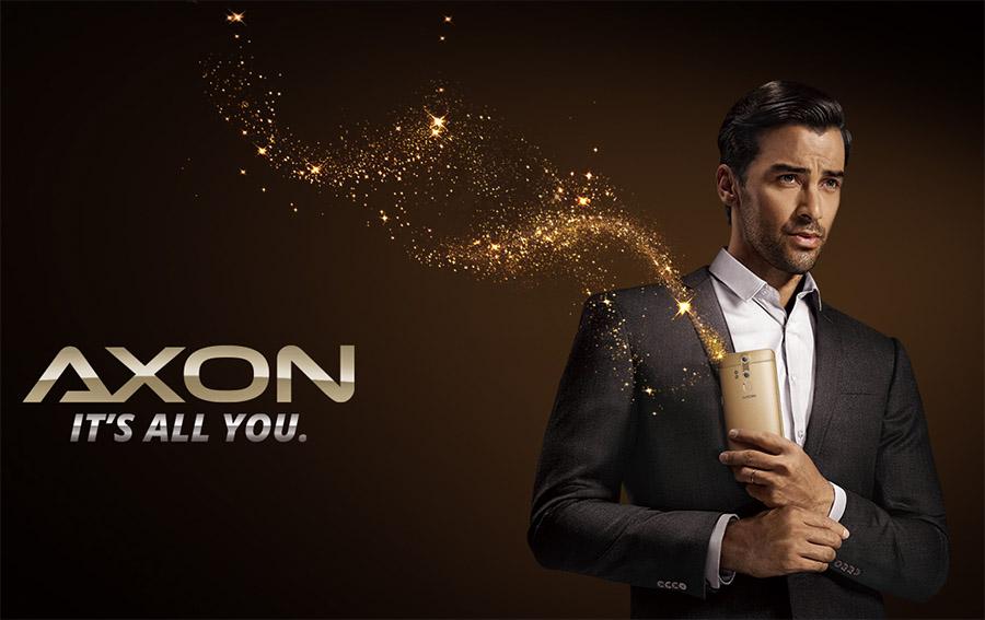 Премиальный мужчина и премиальный смартфон ZTE AXON Elite