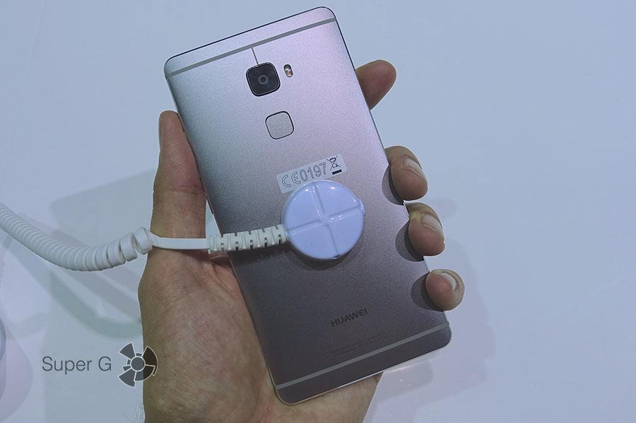Задняя спинка смартфона Huawei Mate S
