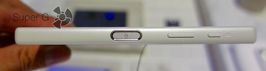 Обновленная кнопка включения на Sony Xperia Z5 Compact