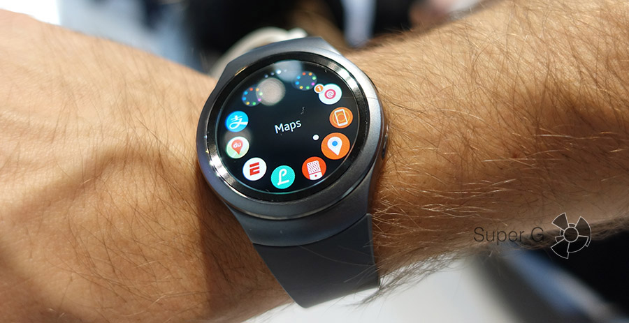 Умные часы Samsung Gear S2 c силиконовым ремешком