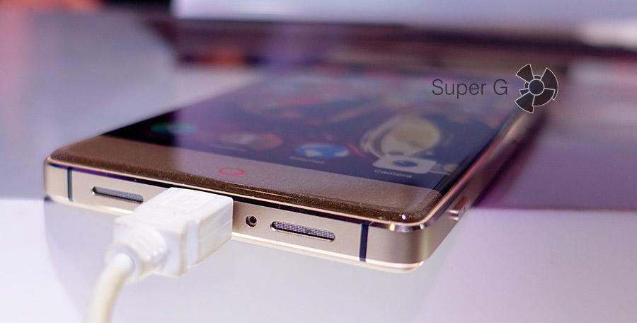 Динамики и разъем Micro USB на ZTE Nubia Z9
