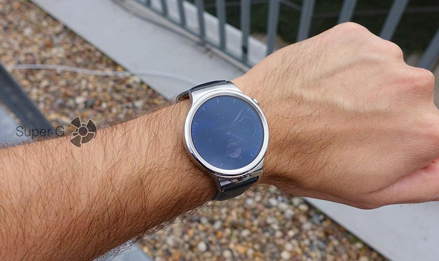 Экран Huawei Watch слепнет на солнце