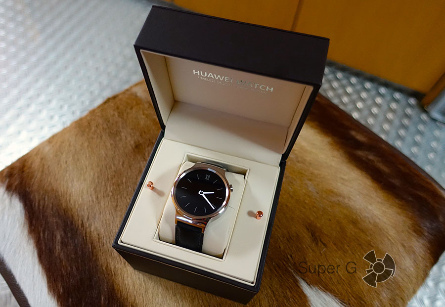 Распаковка (unboxing) Huawei Watch