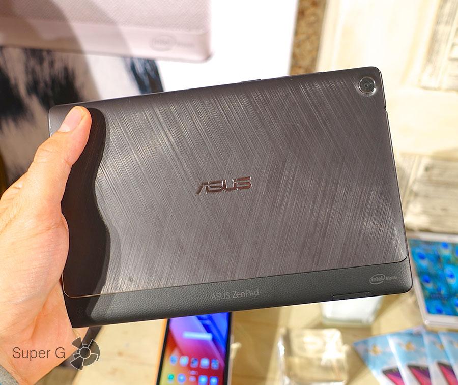 Черный ZenPad 8.0