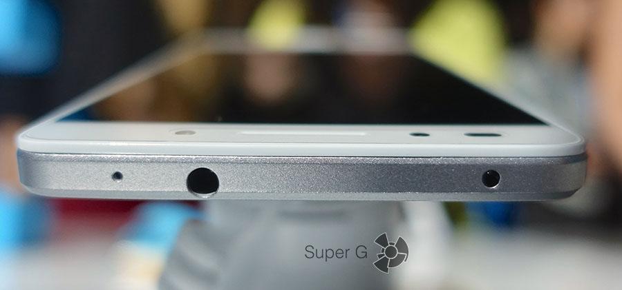 Разъем 3.5 мм и ИК-порт на верхнем торце