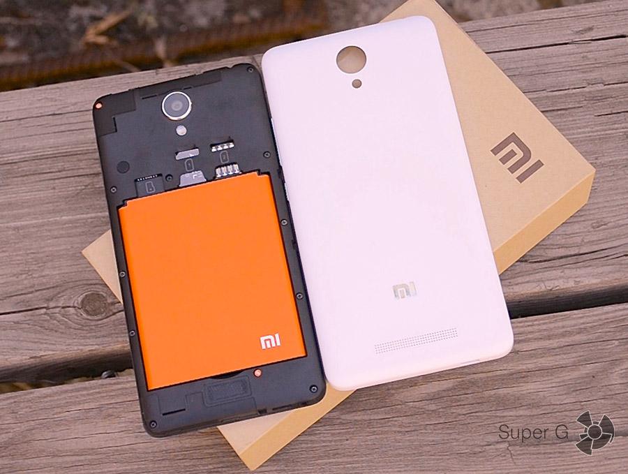 Xiaomi Redmi Note 2 под крышкой аккумулятор