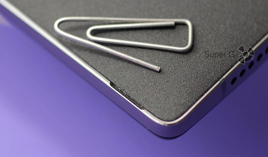 Как снять заднюю крышку OnePlus Two