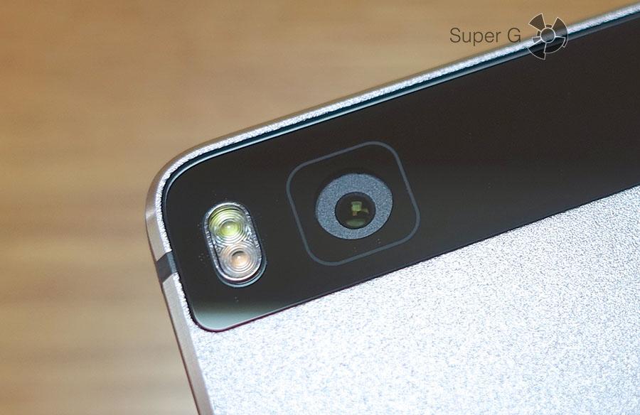Неровности в отверстиях корпуса Huawei P8