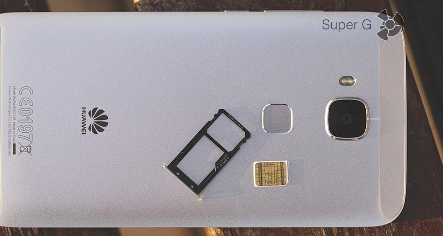 """Лоток под SIM-карты или """"симку"""" совместно с картой памяти"""