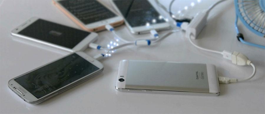При помощи Oukitel K6000 можно заряжать другие смартфоны и девайсы
