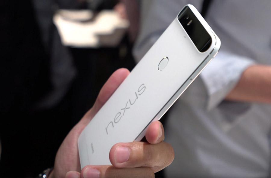 Huawei Nexus 6P в руке