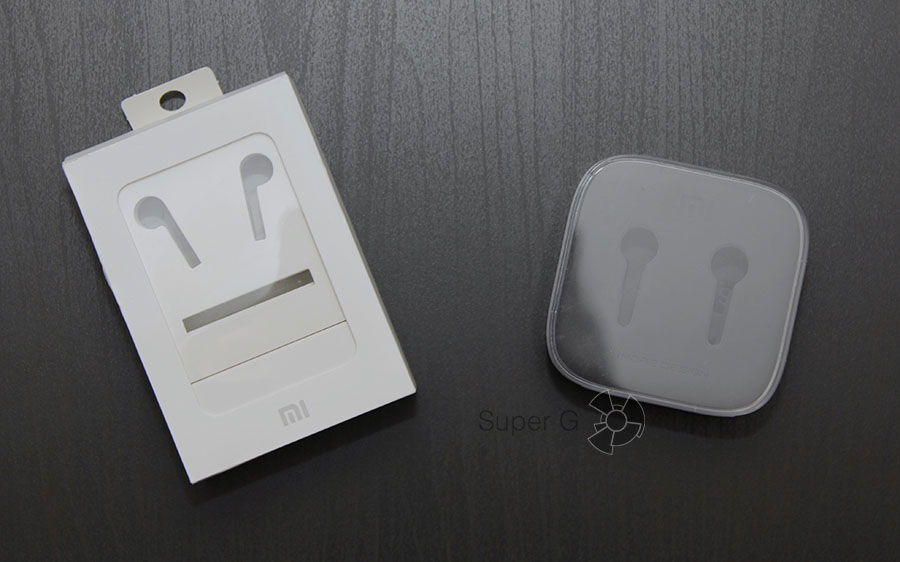 Коробка от Xiaomi Hybrid слева, от Piston 3 справа