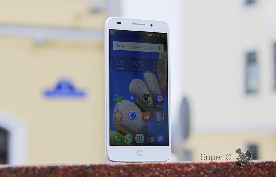 Смартфон UMi eMAC mini