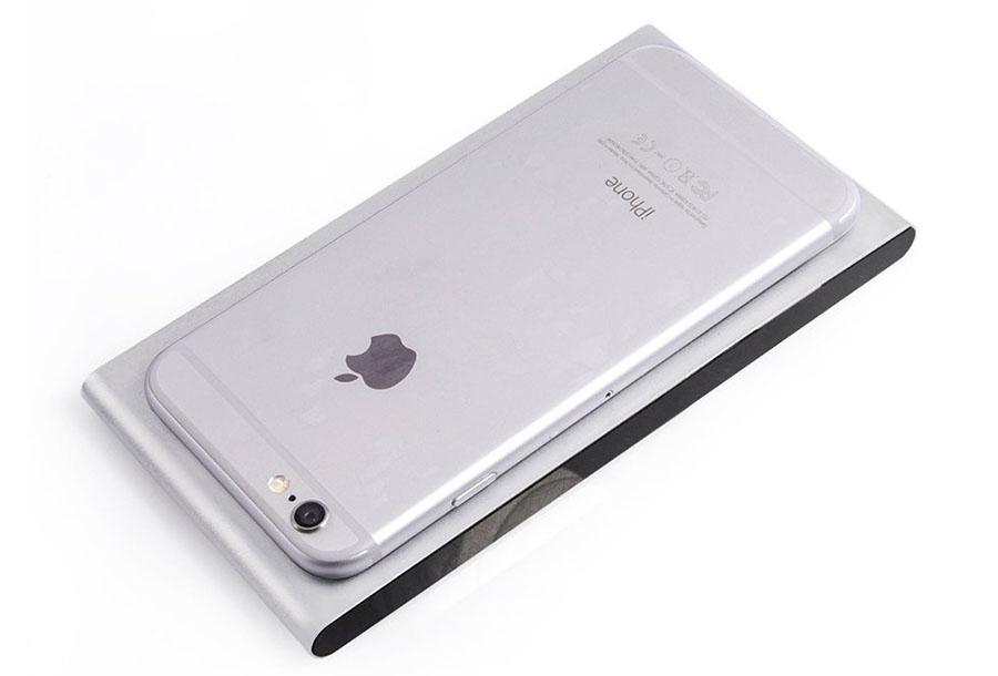 На фото Vensmile IPC002 и iPhone 6