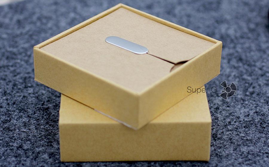 Распаковка Xiaomi Mi Band 1S