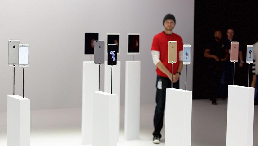 Продажи iphone 6s в магазине