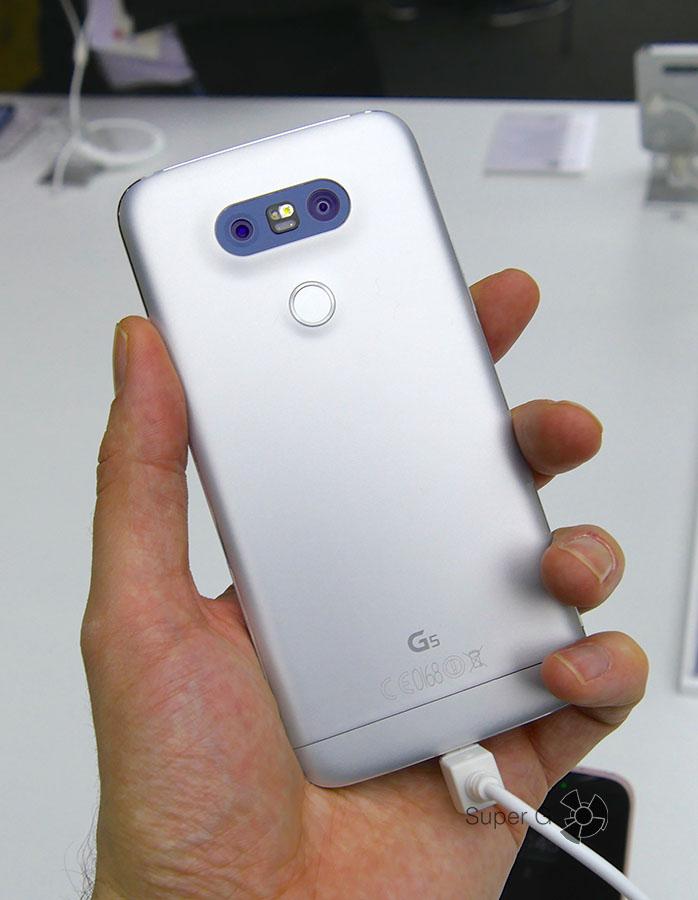 LG G5 серебристый или серый