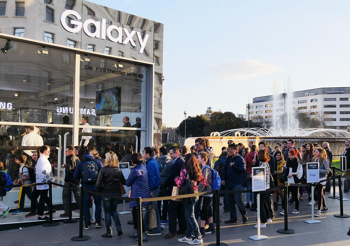 Очереди в 4D кинотеатр от Samsung