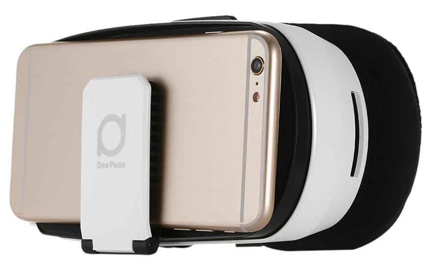 В очки VR DeePoon V3 нужно вставлять смартфон