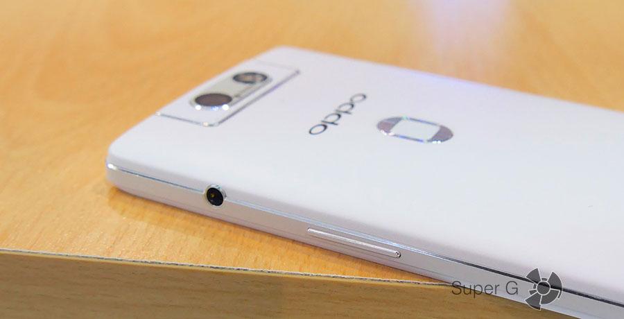 Разъем 3,5 мм в Oppo N3 на боковой стороне