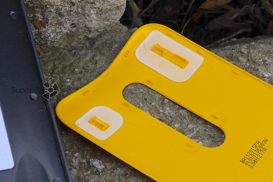 Уплотняющие резинки, которые предохраняют гаджет от попадания воды