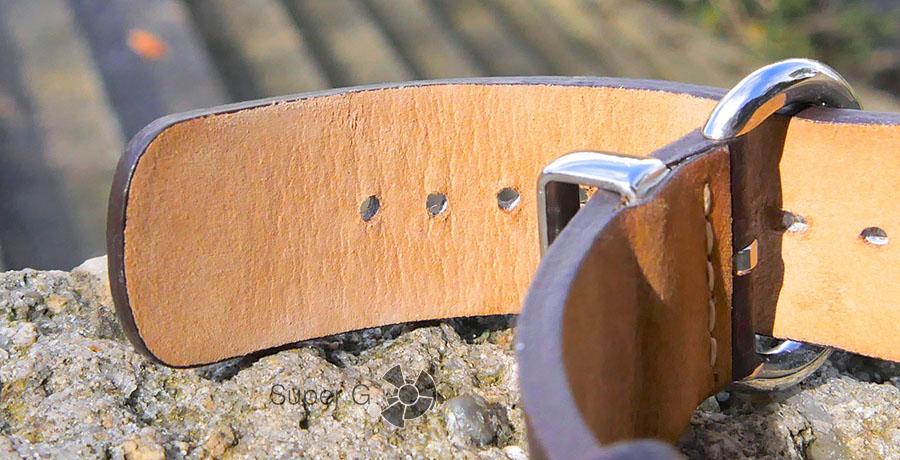 Качественный кожаный ремешок для умных часов