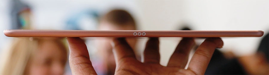 Smart Connector iPad Pro 9.7 предназначен для подключения клавиатуры Smart Keyboard