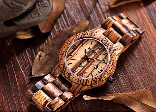 Деревянные часы из клена Bewell 2538