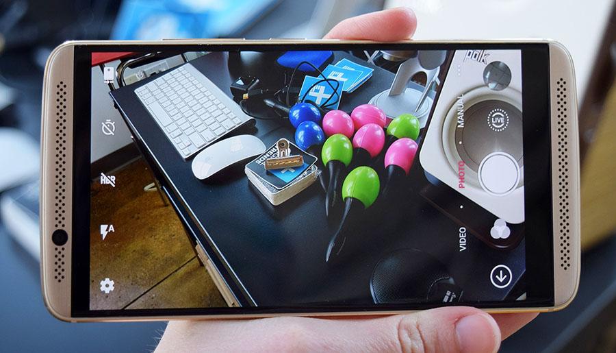 Дисплей и возможности камеры ZTE Axon 7