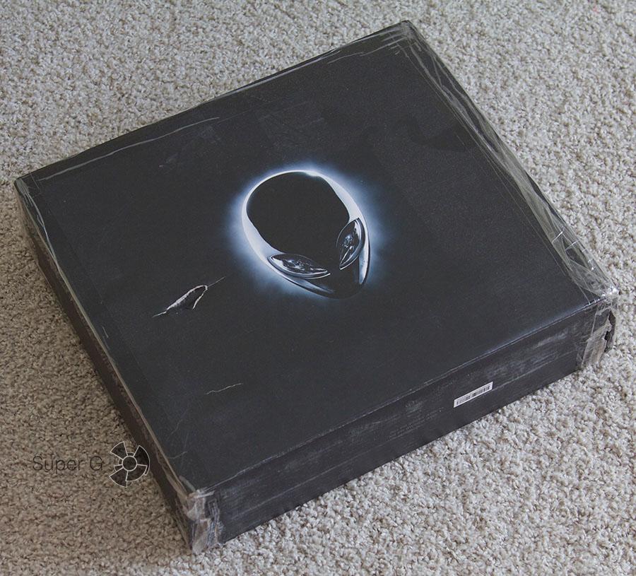 Коробка от Dell Alienware 13