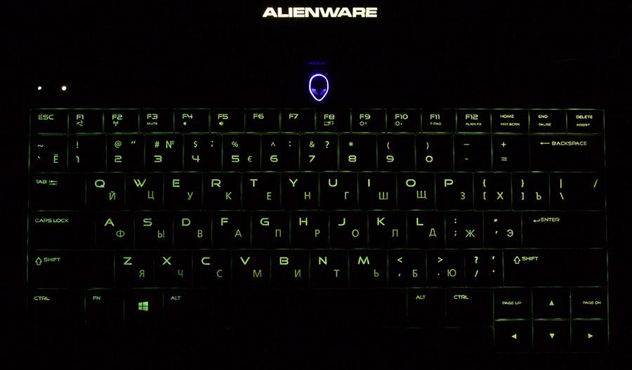 Зеленая подсветка клавиатуры в Dell Alienware 13
