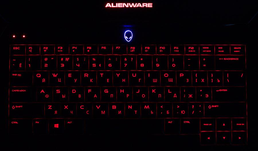 Красная подсветка клавиатуры в Dell Alienware 13